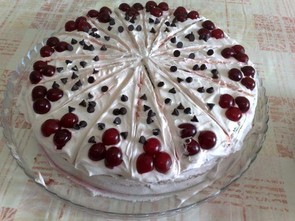 Yemek Tarifleri Sitesi kremalı yaş pasta tarifi